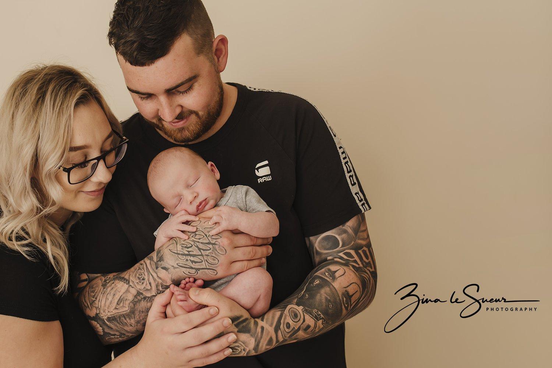 newborn-family-portrait-wanneroo-studio